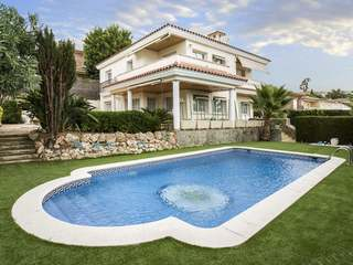 5-bedroom villa for sale in Premià de Dalt, Maresme