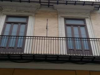 Large building to buy and renovate in Ciutat Vella, Valencia