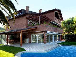 Large house to rent in Sant Just Desvern, near Barcelona