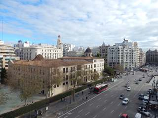 Apartment to renovate for sale in the centre of Valencia