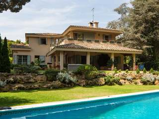 Elegant Villa for sale on the Maresme Coast, Barcelona