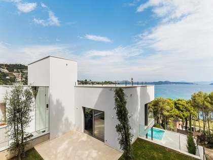 Huis / Villa van 360m² te koop in Sa Riera / Sa Tuna