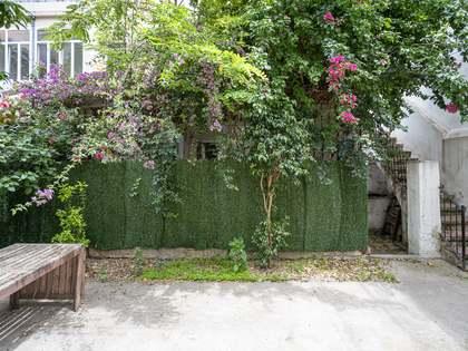 Appartamento di 122m² con giardino di 44m² in vendita a Eixample Destro