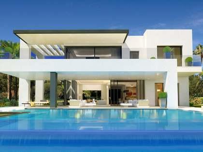 Дом / Вилла 714m², 170m² террасa на продажу в Золотая Миля