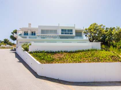 4-bedroom villa to buy off plan in East Marbella