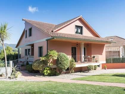 Casa / Villa de 471m² en venta en Pontevedra, Galicia