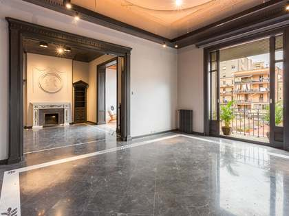 366m² Apartment with 20m² terrace for sale in Eixample Right