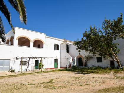 2,000m² Country house for sale in Ciudadela, Menorca