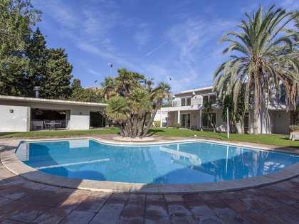 Casa de 560 m² en venta en Godella / Rocafort