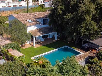 251m² House / Villa with 550m² garden for sale in Sant Vicenç de Montalt