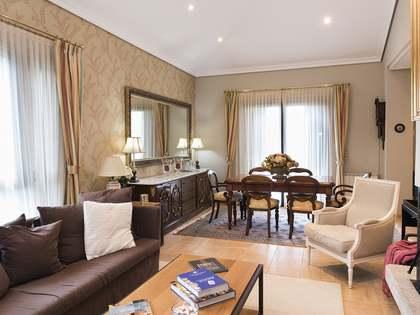 Casa / Vila de 576m² à venda em Pontevedra, Galicia