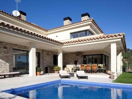 Huis / Villa van 300m² te koop in Lloret de Mar / Tossa de Mar