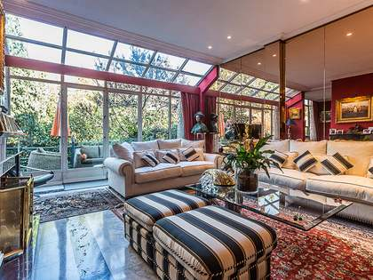 Amplia casa en venta en Nueva España, Madrid