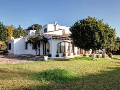 Preciosa villa mediterránea en venta en Dénia