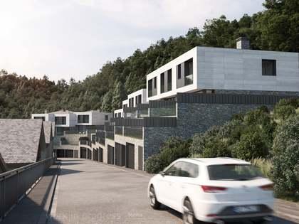 Huis / Villa van 403m² te koop met 116m² Tuin in La Massana