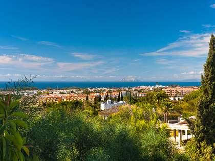 在 贝纳阿维斯, 安达卢西亚 365m² 出售 豪宅/别墅 包括 花园 715m²