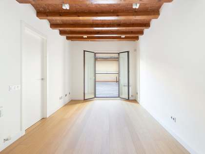 68 m² apartment with 46 m² terrace for sale in Eixample Left