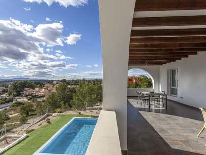 Casa de 337m² con 775m² de jardín en alquiler en El Bosque
