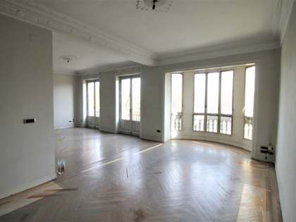 242 m² apartment for sale in Recoletos, Madrid