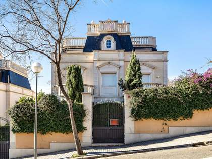 Дом / Вилла 438m², 418m² Сад на продажу в Сан Жерваси - Ла Бонанова