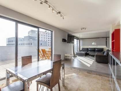 Attico di 120m² con 120m² terrazza in affitto a Ciudad de las Ciencias