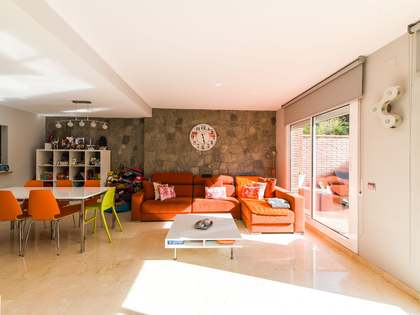 Casa / Villa de 267m² con 64m² de jardín en venta en Gavà Mar