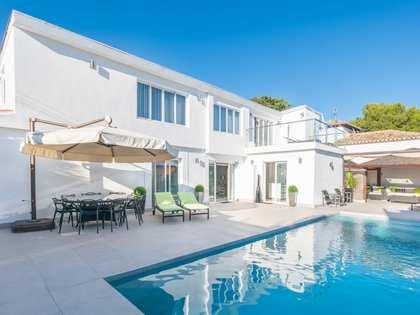 Casa / Vil·la de 303m² en venda a Nueva Andalucía
