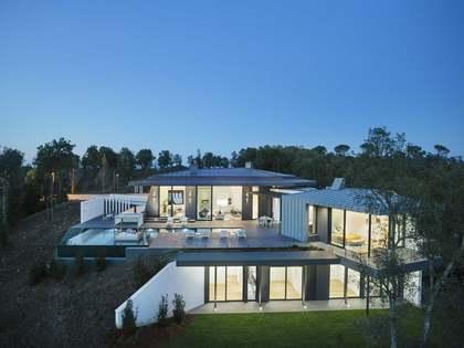 Villa de 400m² en venta en Girona, Girona
