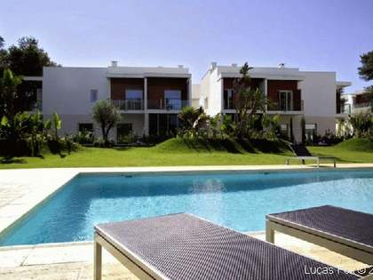 Modern house for sale in central Cascais