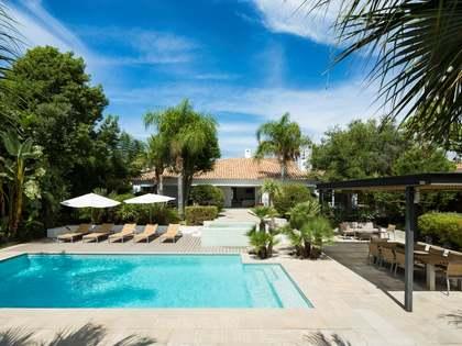 Villa te koop in Los Naranjos, Marbella