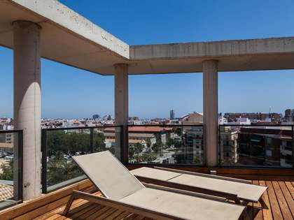 Designer penthouse for rent in Valencia city