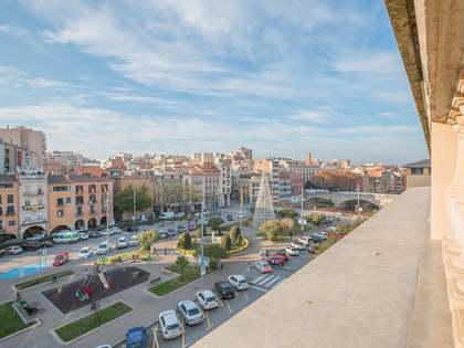 270m² Penthouse with 55m² terrace for sale in Barri Vell