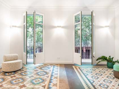 140m² Apartment with 15m² terrace for sale in Eixample Right