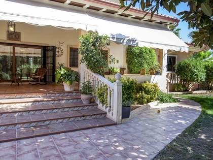 Casa / Villa di 600m² con giardino di 10,000m² in vendita a Cullera