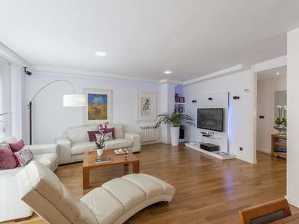 145m² Apartment for sale in El Pla del Real, Valencia