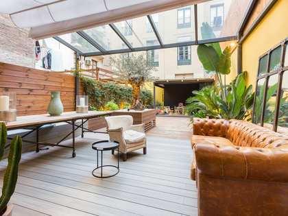 Piso de 96m² con terraza, en venta en el Gòtic