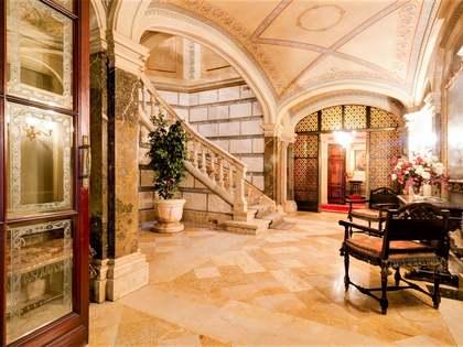 895m² Schloss / Palast mit 207m² terrasse zum Verkauf in Tarragona Stadt