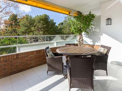 110m² Apartment with 10m² terrace for sale in Pedralbes