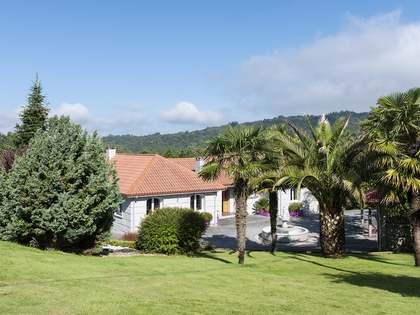 883m² Haus / Villa zum Verkauf in Ourense, Galicia
