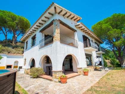 Huis / Villa van 266m² te koop met 1,798m² Tuin in Platja d'Aro