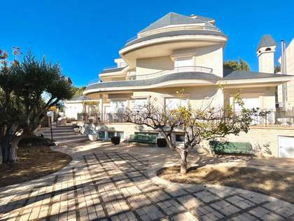 1,147m² House / Villa with 1,054m² garden for sale in Cabo de las Huertas