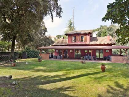 340m² House / Villa for sale in Sant Cugat, Barcelona