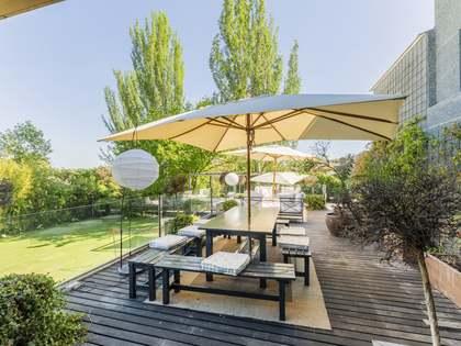 Дом / Вилла 550m² на продажу в Посуэло, Мадрид