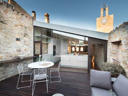 Renovated stone house for sale in Baix Empordà