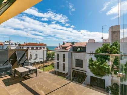 Casa / Villa de 400m² con 50m² de jardín en venta en Caldes d'Estrac