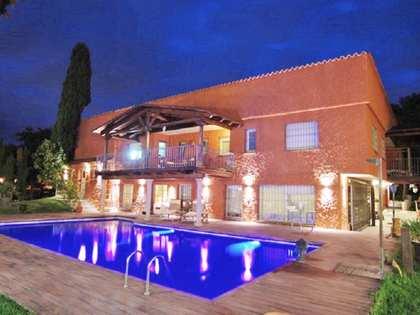 Huis / Villa van 1,189m² te koop in Ciudalcampo, Madrid