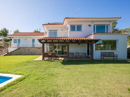 415m² House / Villa for sale in Terramar, Barcelona
