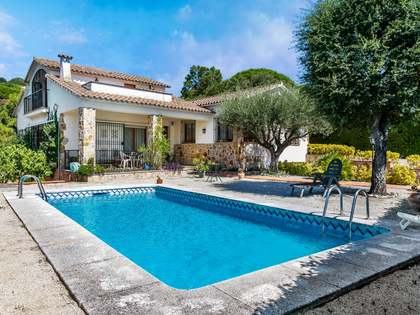 304m² House / Villa for sale in Cabrils, Maresme