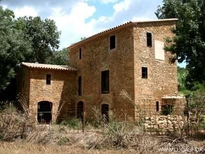 Casa rural semirestaurada en venda al Baix Empordà, a prop de Girona