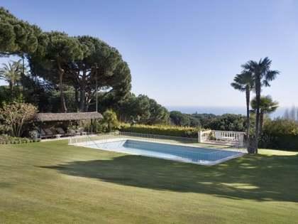 Luxury house to buy on Maresme coast, near Barcelona city